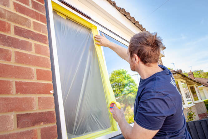 tesa – Masking uPVC windows before spray painting